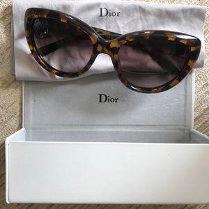 Dior sun glasses